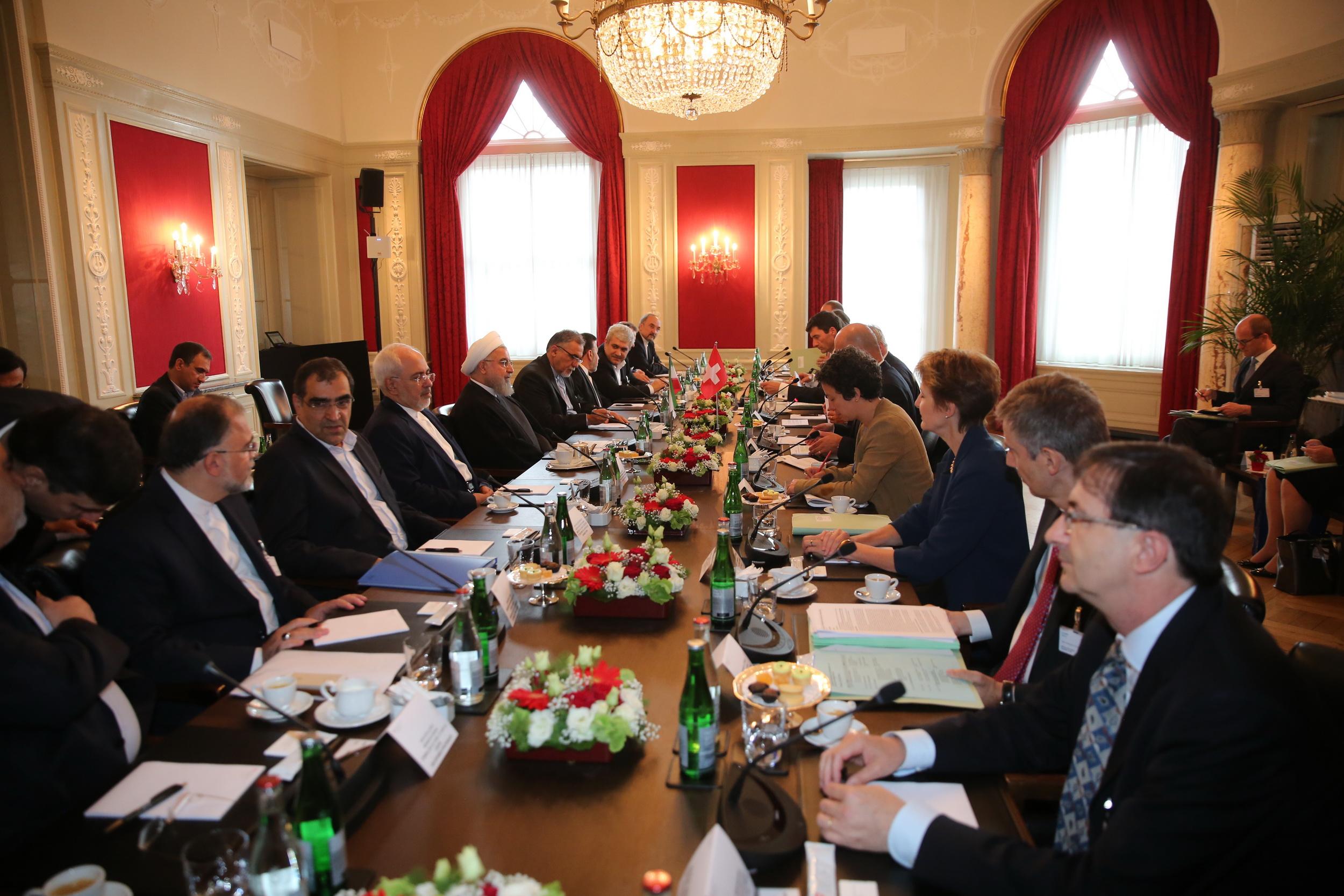 اراده ایران توسعه روابط دوستانه با سوئیس است/ جهان باید در برابر یکجانبه گرایی بایستد