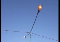 تیرهای چراغ برق همیشه روشن در بلوار حافظیه + فیلم