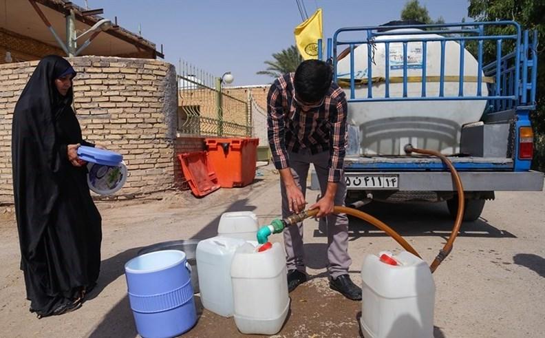 ستاد اجرایی فرمان حضرت امام (ره) به کمک مردم روستاهای خرمشهر و آبادان شتافت