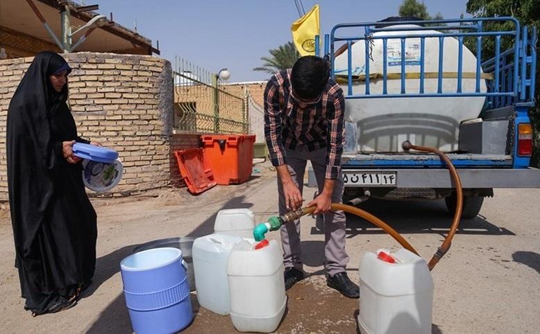 تهیه 100 مخزن 10هزار لیتری آب برای مردم خرمشهر توسط ستاد اجرایی فرمان امام(ره)