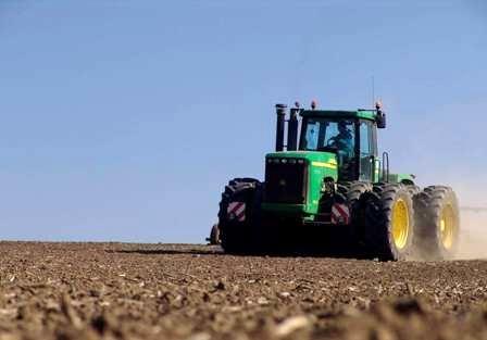 توزیع بیش از ۵.۴ میلیون لیتر سوخت بخش کشاورزی در شهرستان بهار