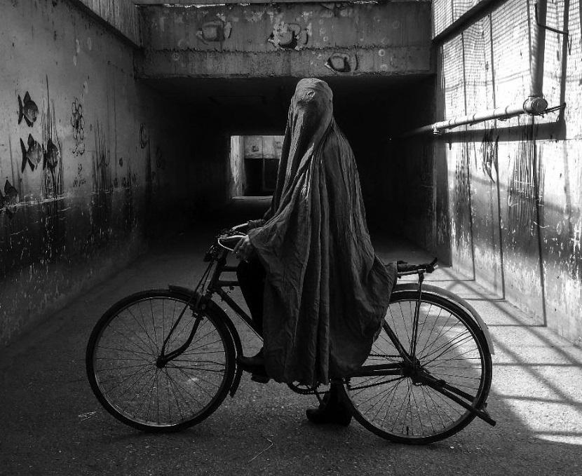 عکسهای هنرمند افغان در کرمان