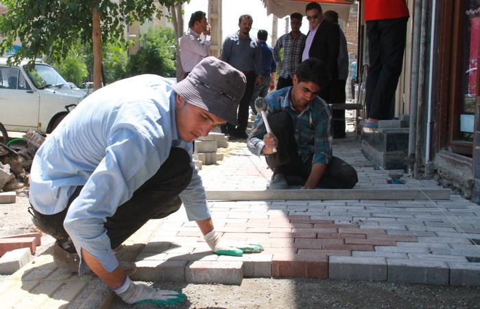 پیشرفت 60 درصدی پیاده روسازی در خیابان های اصلی شهر همدان
