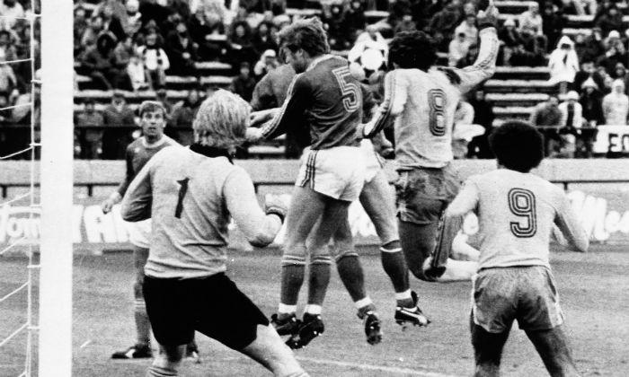 ۵  اشتباه در داوری که سرنوشت بازیهای جام جهانی را تغییر داد+فیلم