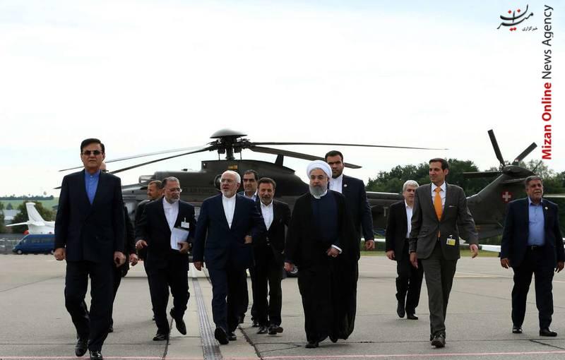 هلیکوپتر سواری روحانی +عکس