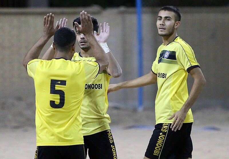 صدرنشینی پارس جنوبی بوشهر در لیگ برتر فوتبال ساحلی