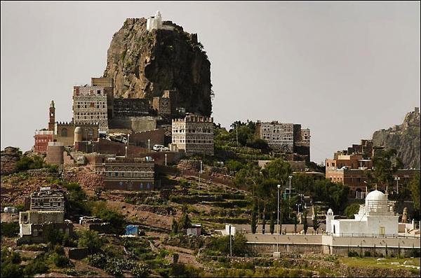 روستای زیبای یمنی بر فراز ابرها+ تصاویر