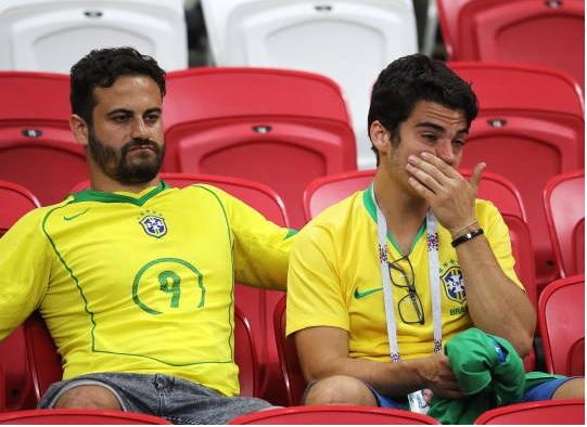 تصاویری از اشکهای هواداران برزیلی