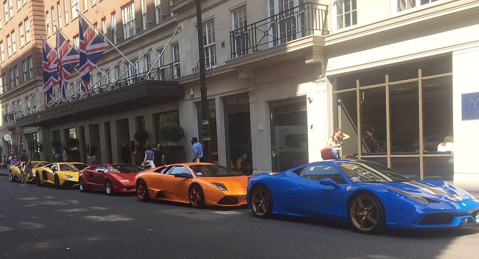 مانور اتومبیلهای لوکس و گرانقیمت شاهزادههای سعودی در لندن +فیلم