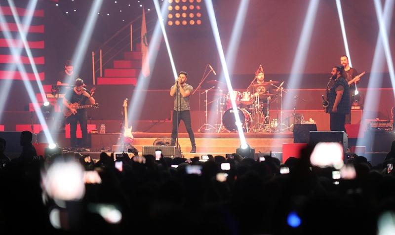 دهن کجی خواننده ترکیه ای به وزارت ارشاد / کنسرت یالچینتاش برگزار شد