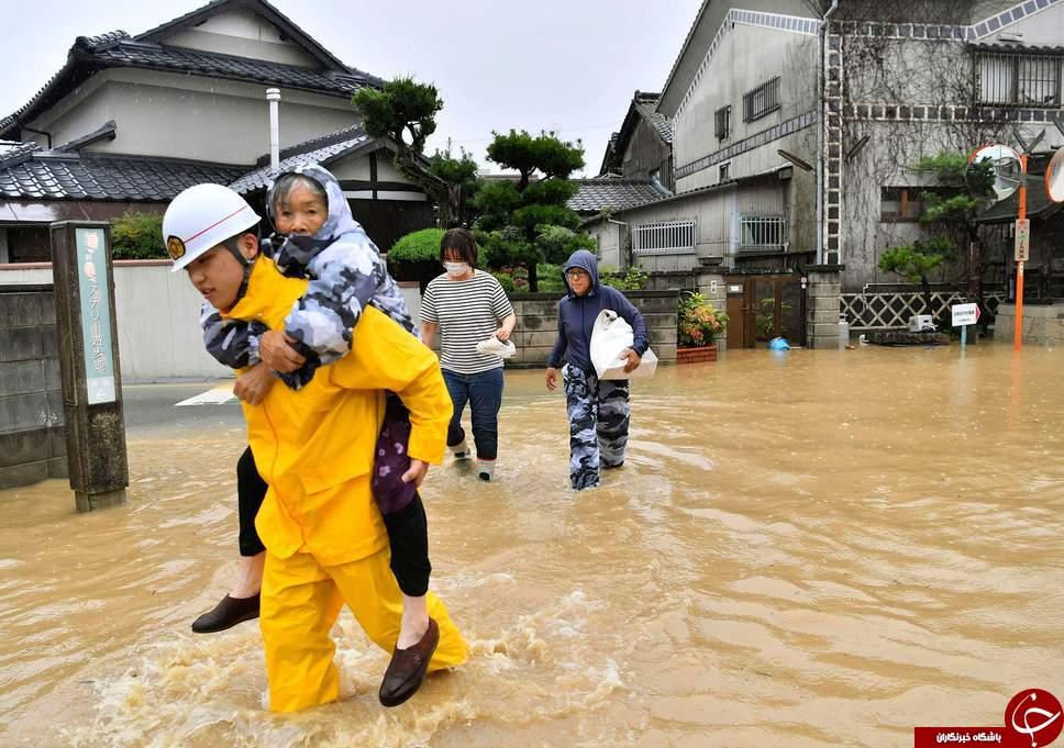 بارش باران سهمگین و جاری شدن سیل بی سابقه در ژاپن در قاب تصاویر