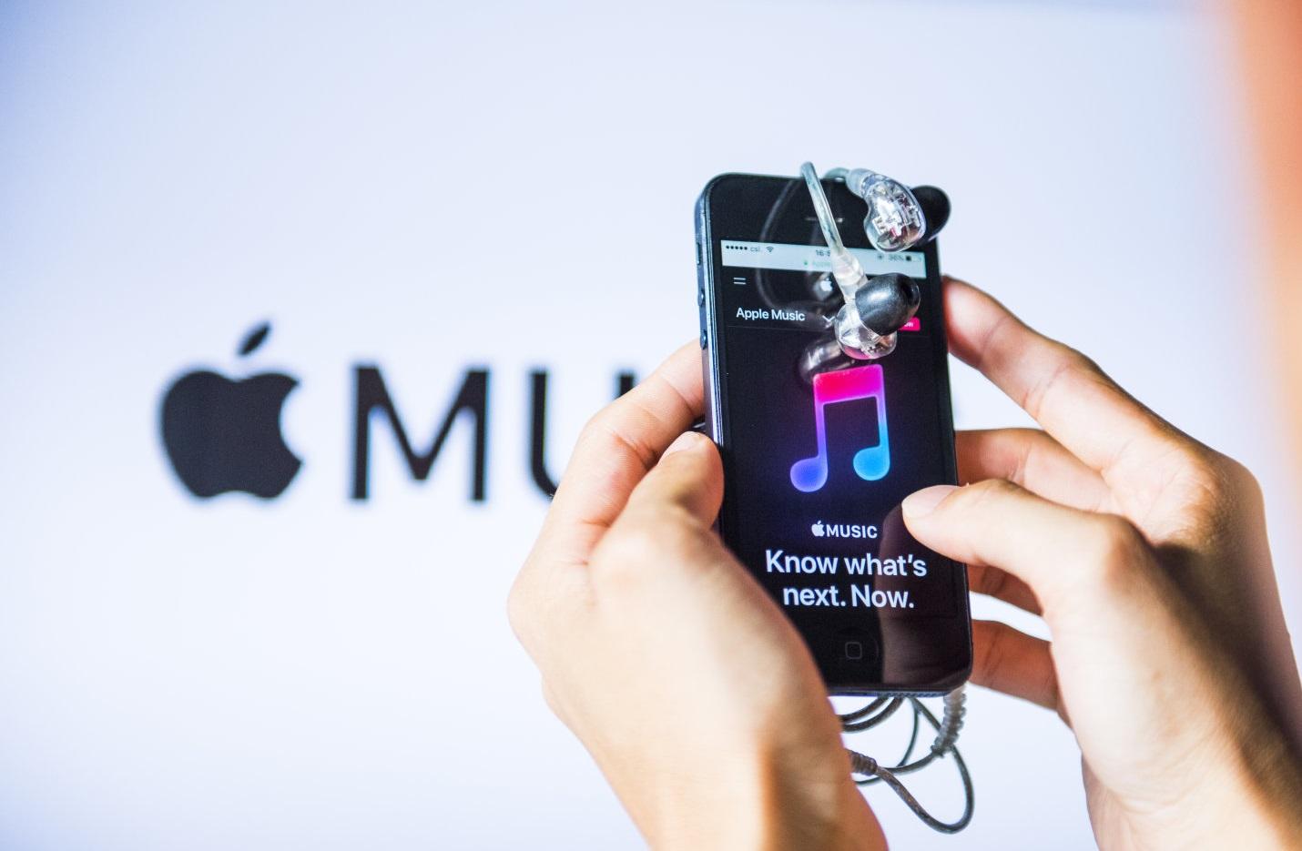 پیشیگرفتن تعداد کاربران اپل موزیک از اسپاتیفای در آمریکا