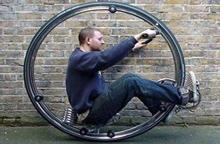 ساخت موتورسیکلت تک چرخ توسط یک مکانیک مبتکر + فیلم