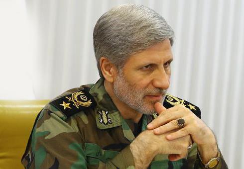 دشمن به راهبرد فشار از بیرون و فروپاشی از درون علیه ایران روی آورده است
