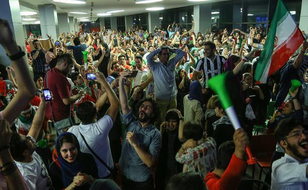 کاهش استقبال مخاطبان از پخش فوتبال در سینماها
