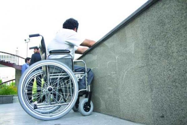 معلولان تحت پوشش بهزیستی هر 3 سال یکبار ویلچر می گیرند