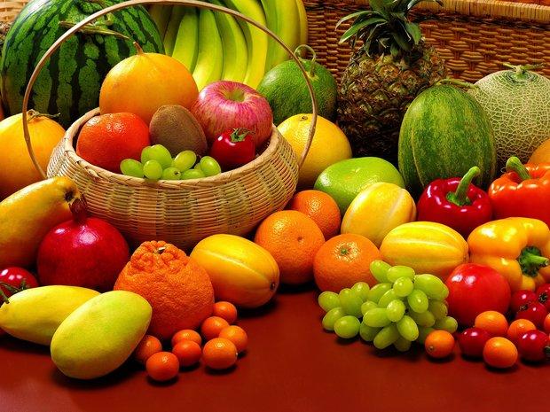 قیمت انواع میوه تابستانی در غرفه تره بار