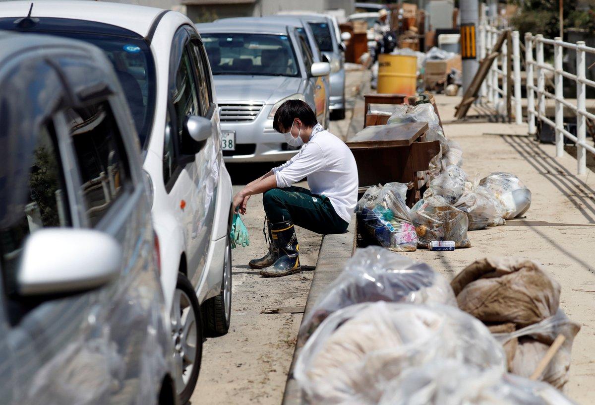سیل ژاپن پس از ۵ روز همچنان قربانی میگیرد+ فیلم و عکس