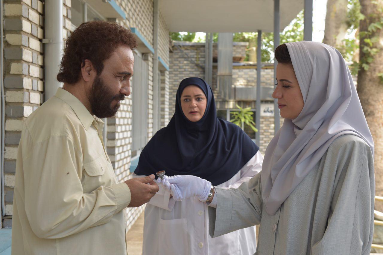 کمدی ابتذال آوار بر سر سینمای ایران/ بازار داغ کمدی های مبتذل/ حمله به اخلاق در کمدی ابتذال