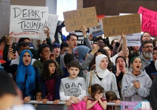 تظاهرات دهها نفر در کنتیکت در اعتراض به سیاستهای مهاجرتی ترامپ