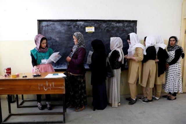 کمیسیون انتخابات مهلت ثبت نام رای دهندگان را تمدید کرد