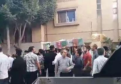 وداع باشکوه مردم اصفهان با پیکر پاک شهدای دفاع مقدس + فیلم