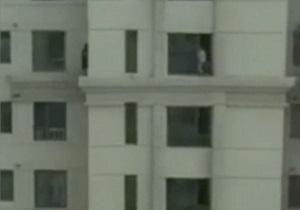 قایمباشک ترسناک کودکان چینی در طبقه سیوسوم یک برج +فیلم