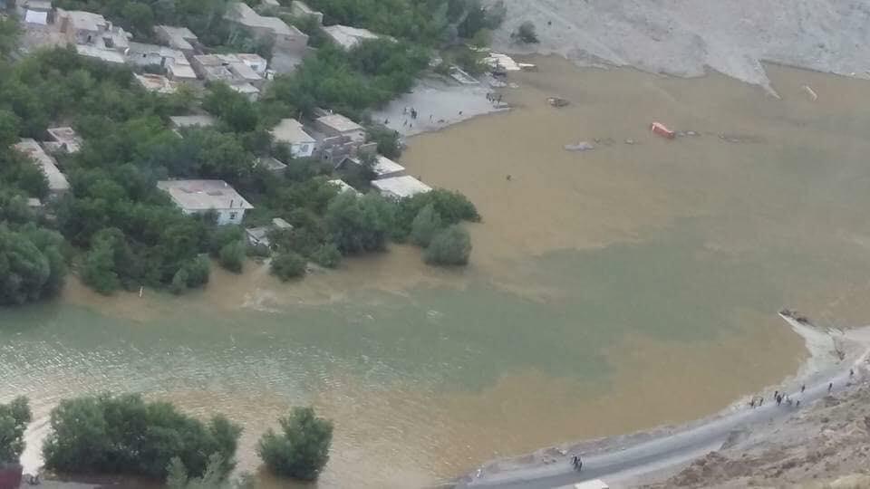 لغزش کوه در پنجشیر؛ ۱۴ تن جان باختند و صدها منزل مسکونی تخریب شد