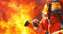 آتش سوزی در اسکله کنگان مهار شد