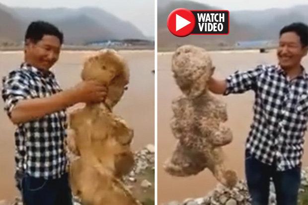 پیدا شدن موجود انسان نمای عجیب در سواحل چین ! + فیلم