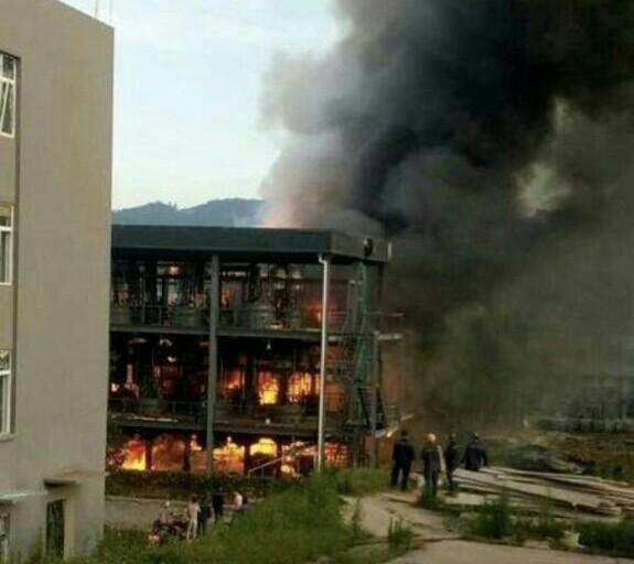 ۳۱ کشته و زخمی بر اثر انفجار در یک کارخانه شیمیایی در چین