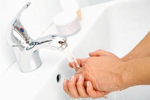 اشتباهات رایجی که هنگام شستن دستها مرتکب میشویم