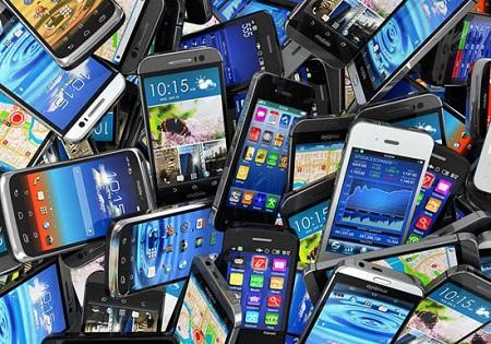 سارق گوشیهای موبایل در فرحزاد به دام افتاد