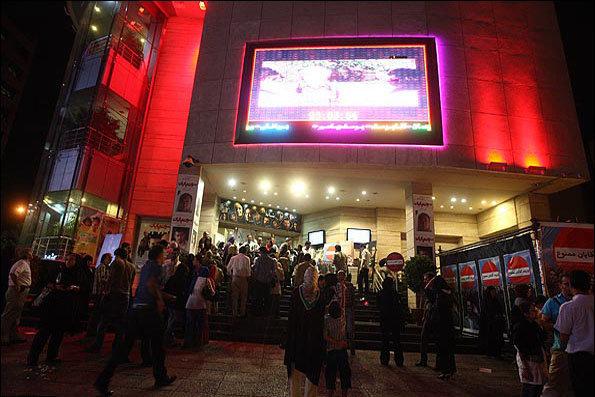 گیشه سینما در دستان فیلم های کمدی/«تگزاس» مرز 13 میلیارد فروش را رد کرد