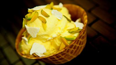 باشگاه خبرنگاران -طرز تهیه بستنی بدون ثعلب خوشمزه برای تابستان های گرم