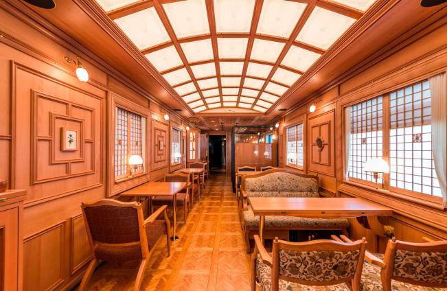 لوکس ترین قطار دنیا چه ویژگی هایی دارد؟+عکس