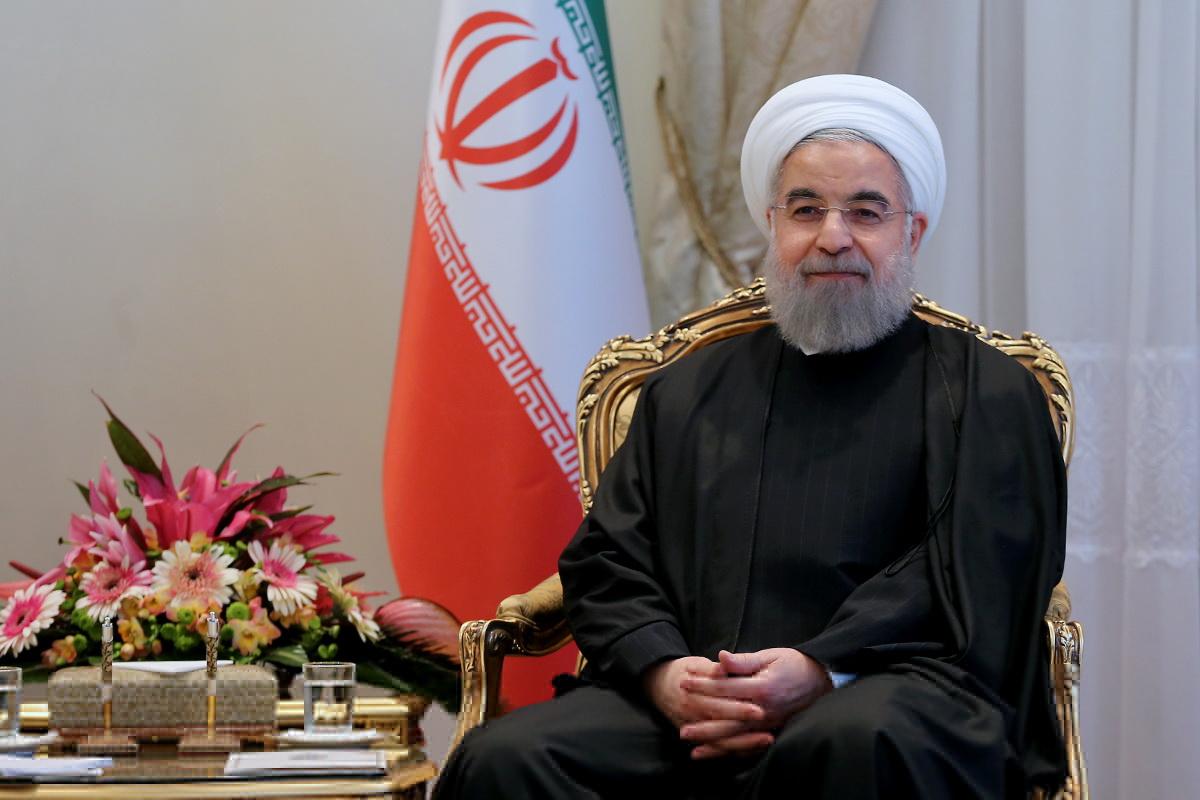 روحانی فرا رسیدن روز ملی جمهوری فرانسه را تبریک گفت