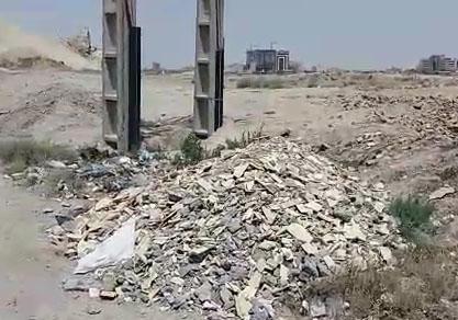 رها سازی زباله و نخالههای ساختمانی در جاده قم + فیلم