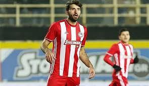 ستارههای فوتبال ایران به کدام تیمها میروند؟