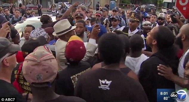 درگیری پلیس شیکاگو با معترضان به قتل یک مرد سیاهپوست