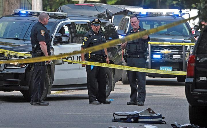 یک پلیس و یک عابر قربانی تیراندازی در ماساچوست آمریکا