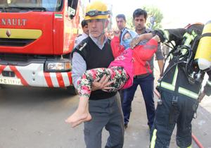 نجات 8 نفر توسط آتش نشانان همدانی