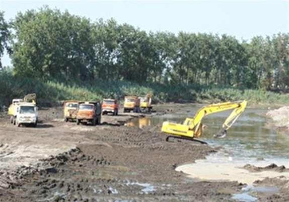 باشگاه خبرنگاران -برداشت شن و ماسه از رودخانههای تخریبشده لرستان ممنوع است/اعمال مجازات سخت برای متخلفان