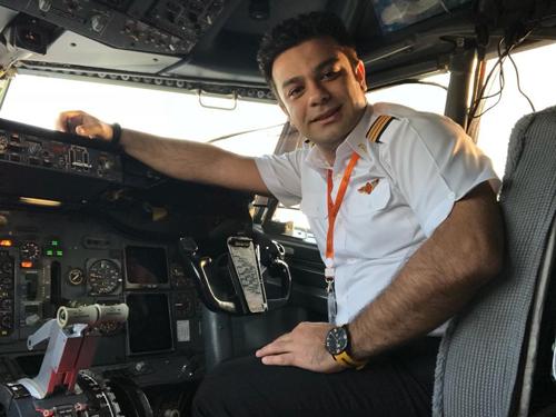 آخرین جزئیات از بازداشت خلبان امیر امین صادقی