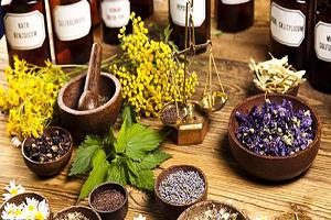 ممنوعیت فروش محصولات دست ساز در عطاریها/ طب ایرانی همان طب سنتی است