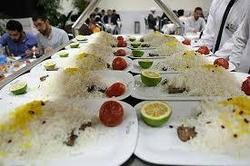 توزیع غذای متبرک حضرت رضا (ع) در دهه کرامت افزایش یافت