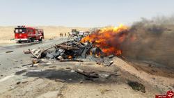 آتش گرفتن پراید در تصادف با کامیون