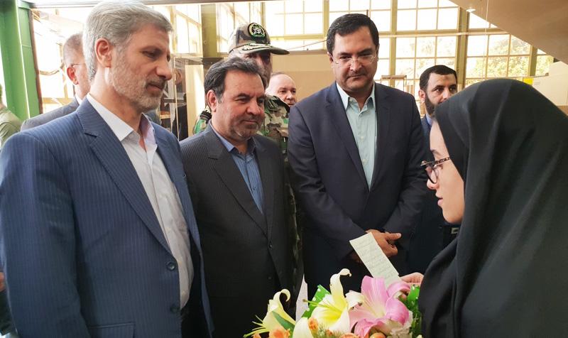 وزیر دفاع و پشتیبانی نیروهای مسلح به استان لرستان سفر کرد