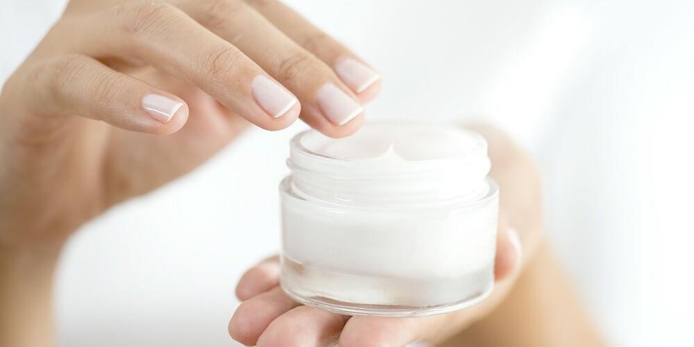 ۸ توصیه متخصصان پوست برای استفاده صحیح و مؤثر از کرم مرطوب کننده