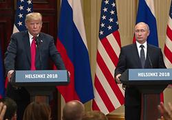 تلاش برای اخلال در نشست خبری ترامپ و پوتین + فیلم